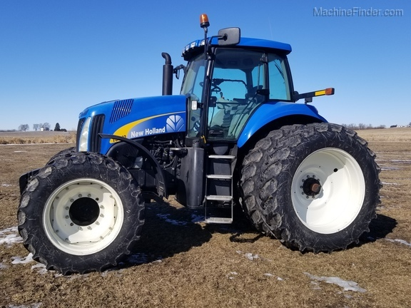 2008 New Holland T8040 Image 2