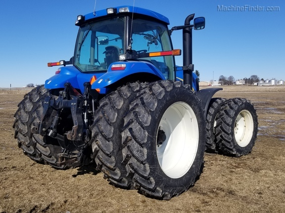 2008 New Holland T8040 Image 8