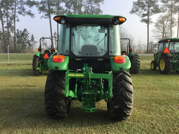 2016 John Deere 5085E