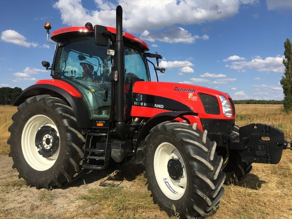 New Holland T 6070