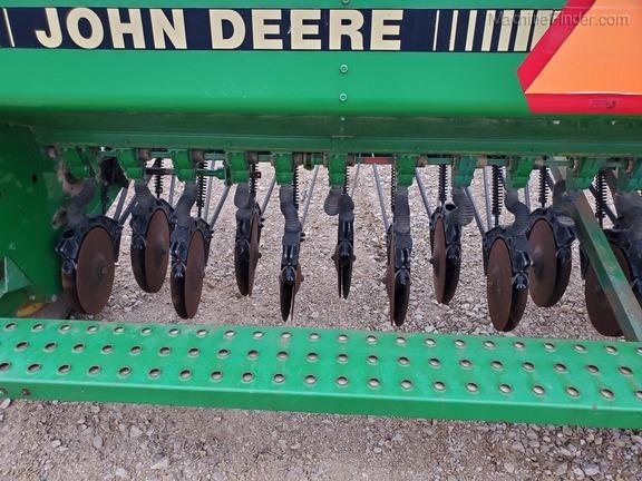 Photo of 1991 John Deere 450