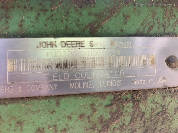 Photo of 2002 John Deere 2200