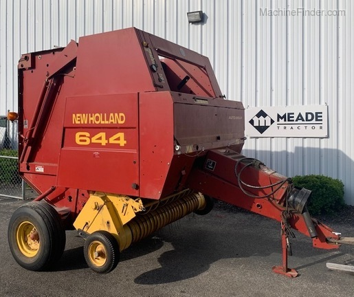 1998 New Holland 644 Image 1
