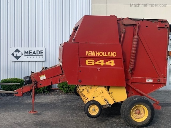 1998 New Holland 644 Image 2
