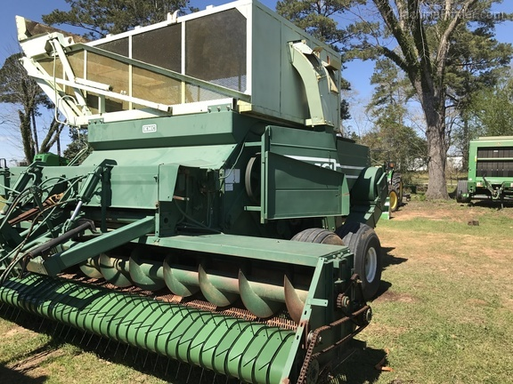 KMC 6 row p-nut combine
