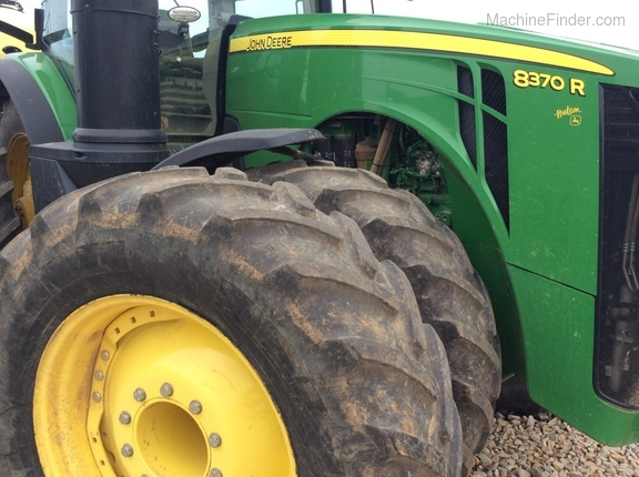 Photo of 2015 John Deere 8370R