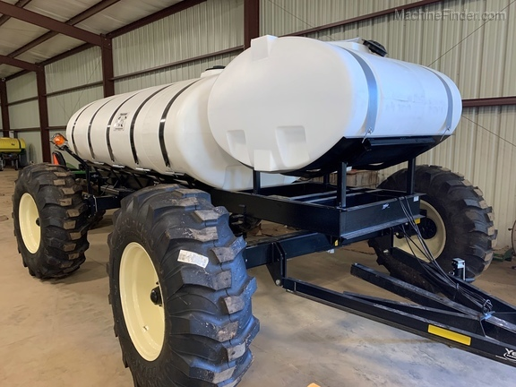 2020 Yetter FERTILIZER CART Image 1