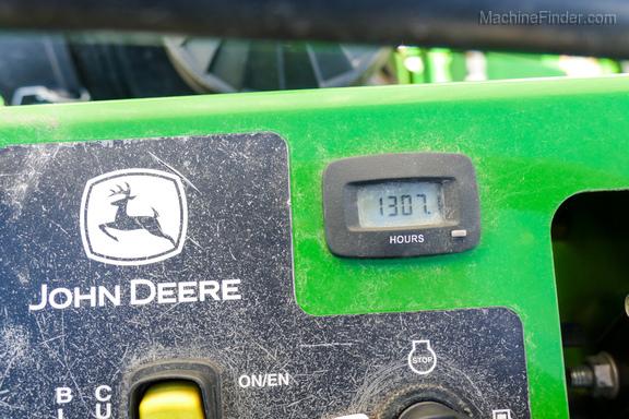 2017 John Deere 652R-8