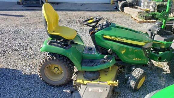Photo of 2017 John Deere X590