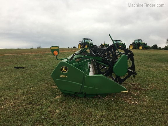 Photo of 2011 John Deere 635F