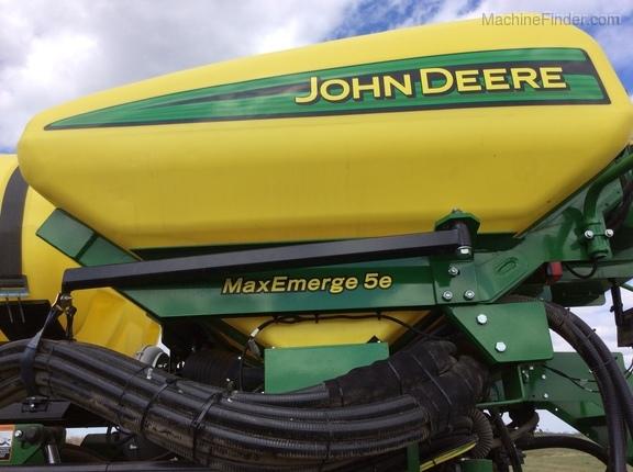 2017 John Deere DB66