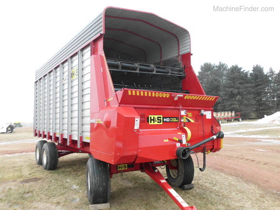 2017 H&S 7+4 Twin Auger