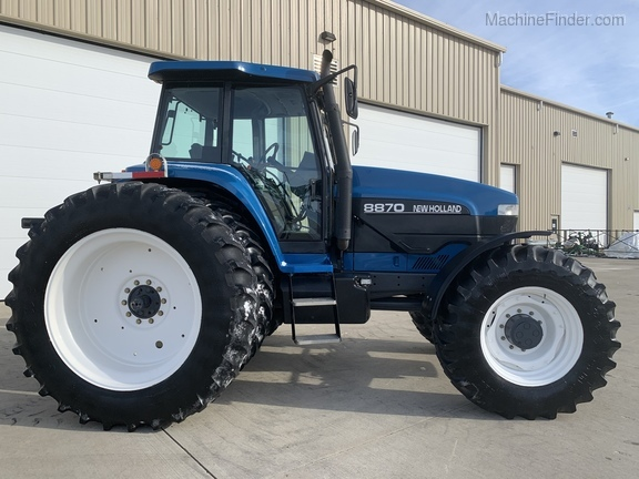 1997 New Holland 8870 Image 2