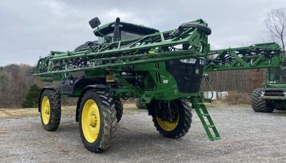 2019 John Deere R4044