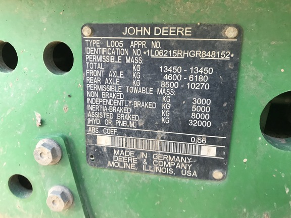 John Deere 6215R