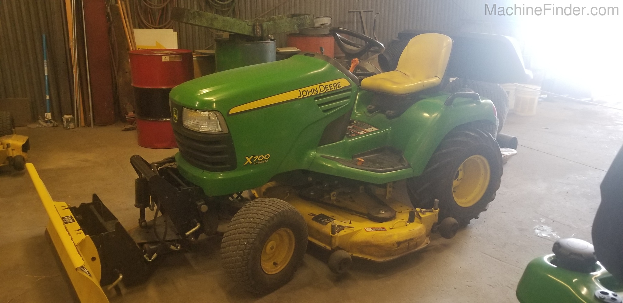 John Deere X700 - Lawn & Garden Tractors - John Deere MachineFinder