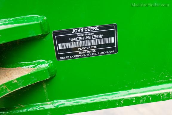 2017 John Deere 1775NT-23