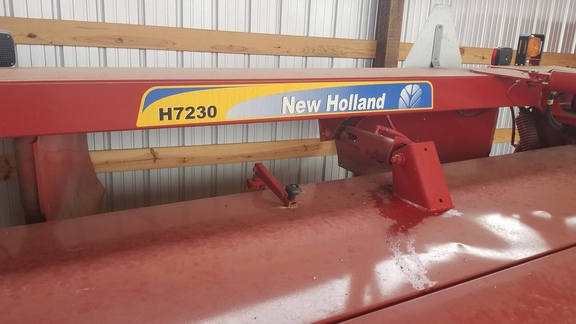 2009 New Holland H7230 Image 12