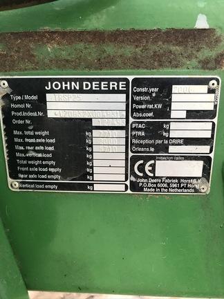 John Deere 832