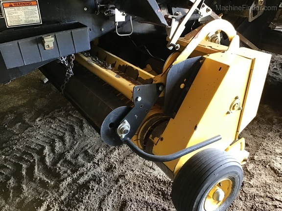 2007 New Holland BB940A Image 12