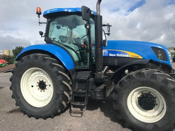 New Holland New Holland T7040