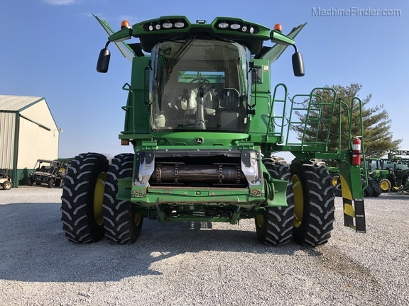 Photo of 2015 John Deere S670
