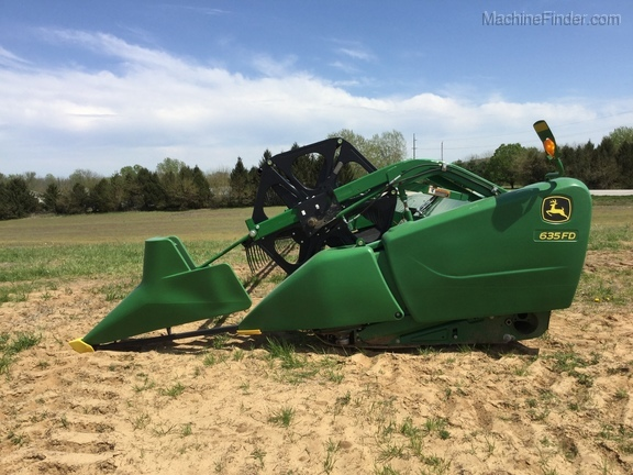 Photo of 2013 John Deere 635FD
