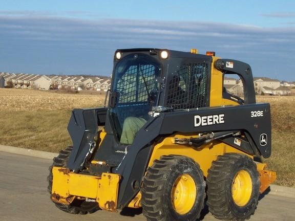 John Deere Skid Steer >> 2014 John Deere 328e Skid Steer Loaders John Deere Machinefinder