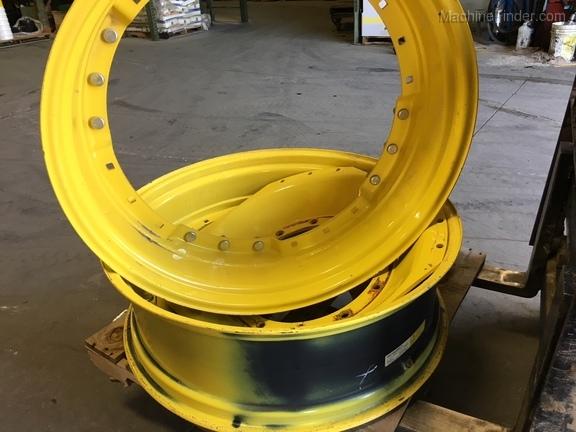 John Deere RE324100 MFWD WHEEL
