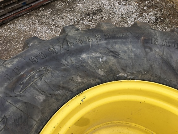John Deere FS 900/60R32 TIRES & WHEELS R1W
