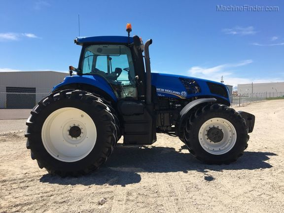 2011 New Holland T8.275