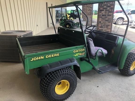John Deere 4X2