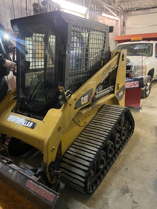 2014 Caterpillar 247B3 Image 1