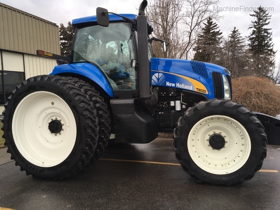 2011 New Holland T8020
