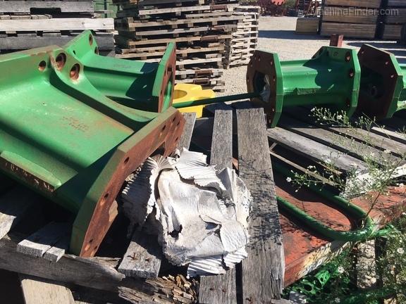 John Deere BH80836 Combine Axle Extensions