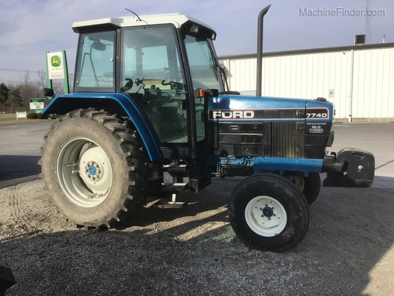 1994 New Holland 7740 Image 2