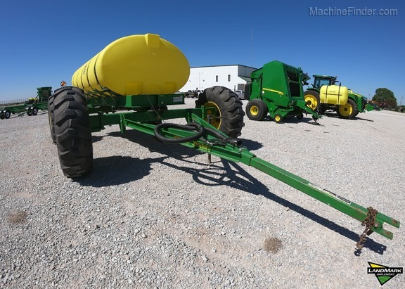 2016 Yetter 1600 Image 1
