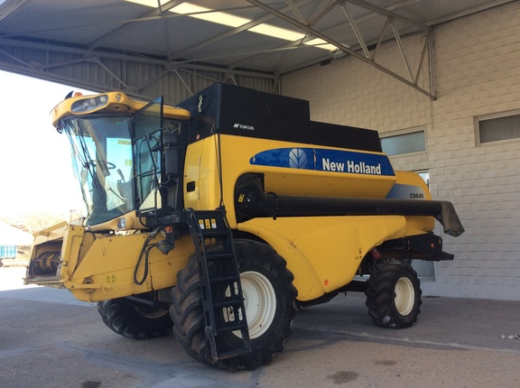 New Holland CS640