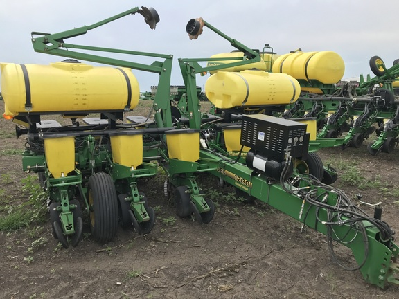 2000 John Deere 1760 Planters Drawn John Deere Machinefinder