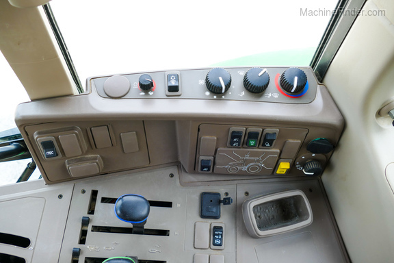 2017 John Deere 6120M-18