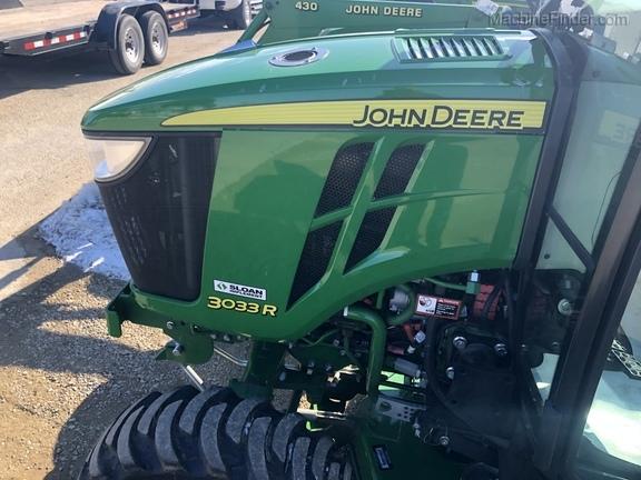 John Deere 3033R