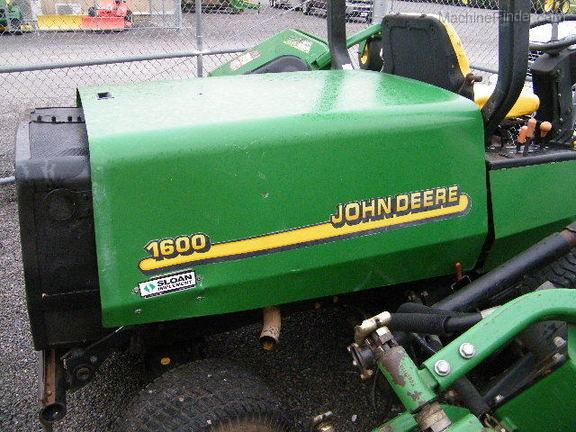 John Deere 1600