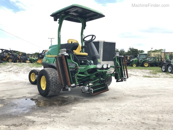 Pre-Owned John Deere 7500AE Fairway Mower in Boynton Beach, FL Photo 2