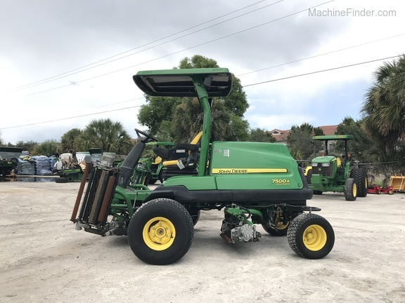 Pre-Owned John Deere 7500AE Fairway Mower in Boynton Beach, FL Photo 0