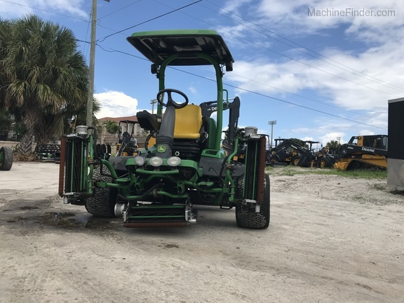 Pre-Owned John Deere 7500AE Fairway Mower in Boynton Beach, FL Photo 3