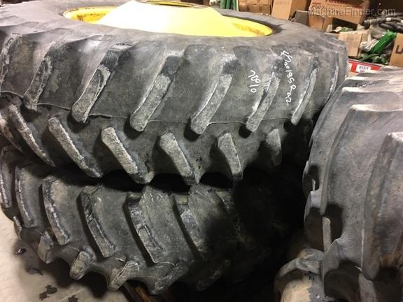 John Deere 520/85R42 Firestone Combine Duals