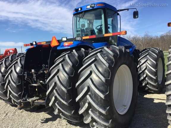 2011 New Holland T9040