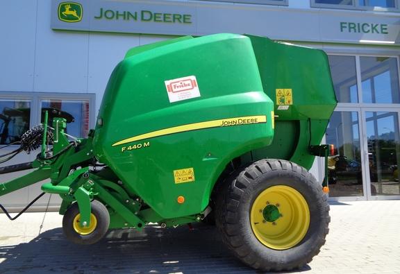 John Deere F440M