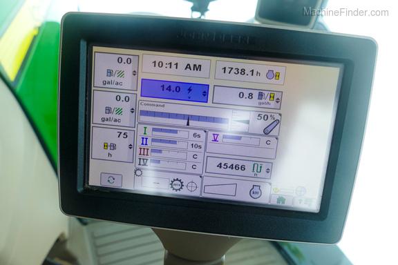 2013 John Deere 8260R-13