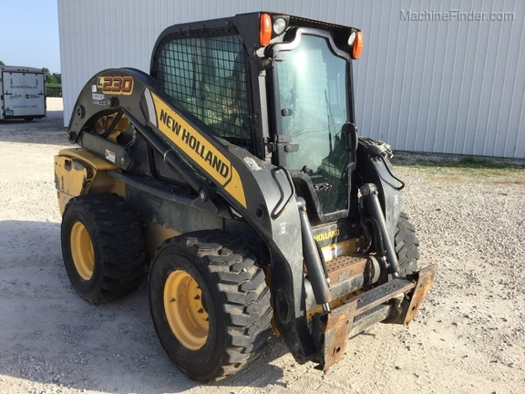 Photo of 2012 New Holland L230